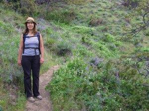 laura bieber,columbia gorge,hiking,washington,lyle,cherry orchard hike,washington