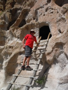 bandelier national monument,new mexico,hiking,ancestral pueblo