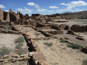 chaco canyon,pueblo bonito,new mexico,hiking