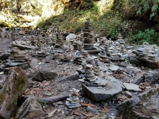 Cairns left by trekkers